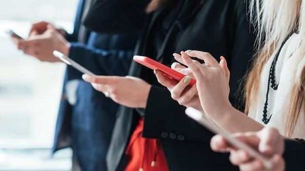 Проблемы с фаббингом и общением. зависимость от информационных технологий