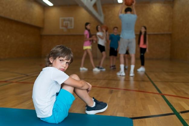 体育の授業コンセプトフルショット