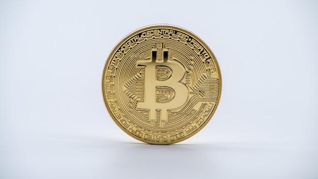 Валюта биткойн физического металла золотая на белой стене. новые всемирные виртуальные интернет-деньги. цифровая монета в киберпространстве, золото, криптовалюта btc. хорошее инвестиционное будущее онлайн-платежей