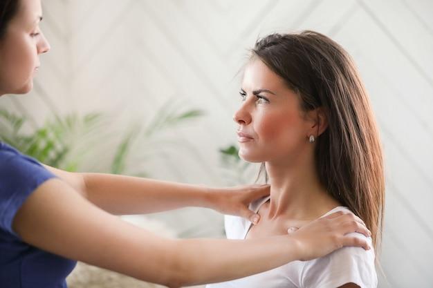 Tres métodos rápidos para aprender Dolor de espalda alta