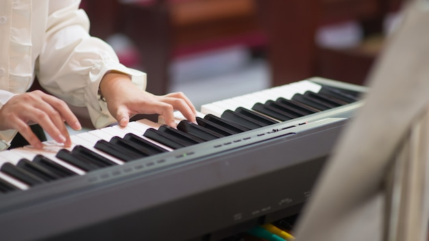 Piano lessons and piano playing