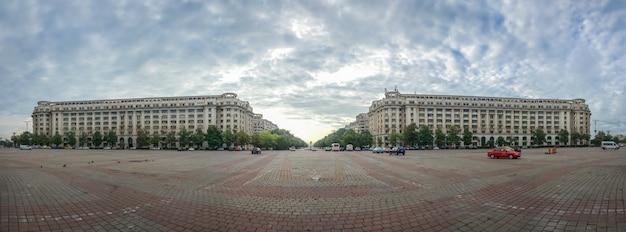 Piata constitutiei, or palace square