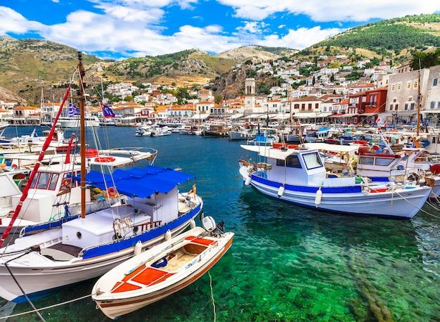 Живописный порт острова гидра