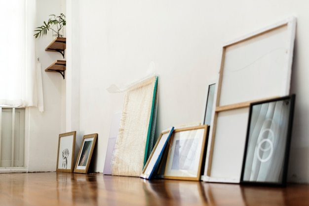Рамы для картин на художественной выставке