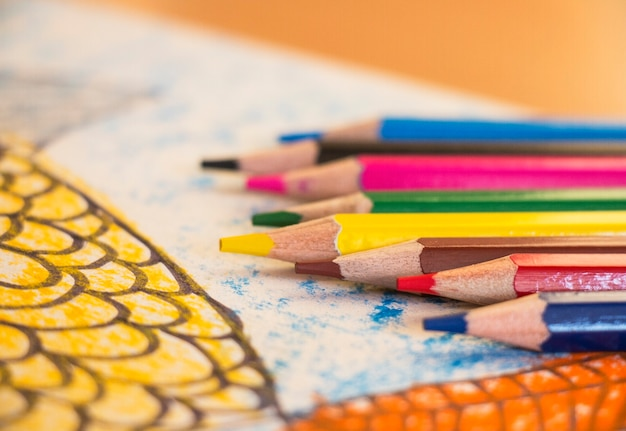Картинка рыбка цветные карандаши для рисования