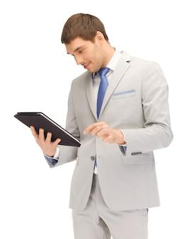 Изображение счастливого человека с планшетным компьютером