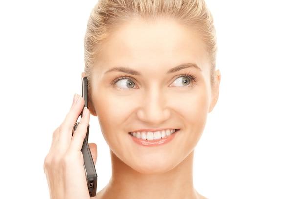 Картинка счастливая женщина с мобильным телефоном