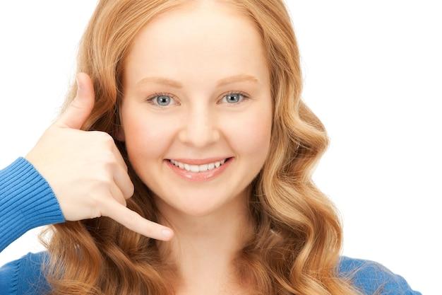 Картинка милая женщина делает жест