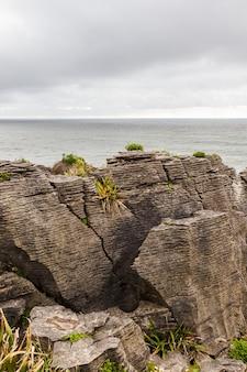 그림 같은 해안 팬케이크 록스 파파 로아 국립 공원 뉴질랜드 남섬