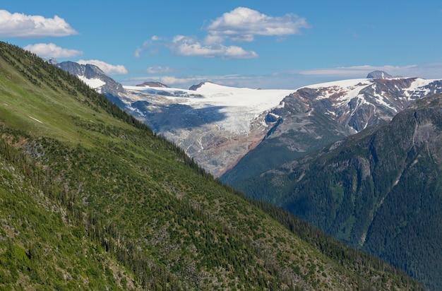 캐나다 로키 산맥의 그림 같은 마운틴 뷰