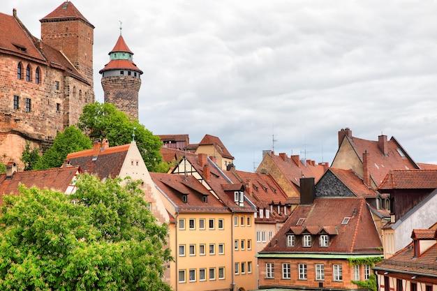 Живописный вид на старый город в нюрнберге, германия