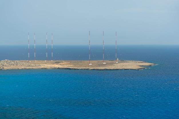地中海沿岸の山の頂上からの美しい景色