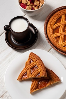 Pie with musli and milk