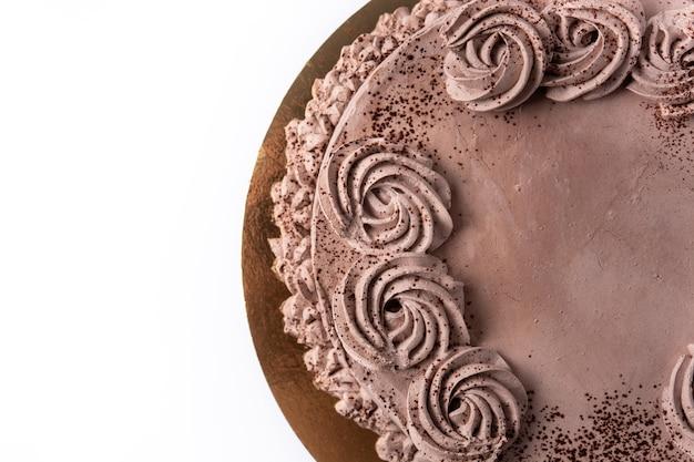 Кусок шоколадного трюфельного торта, изолированные на белом фоне