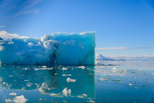 Кусок льда