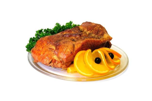 オレンジとオリーブを分離したロースト肉