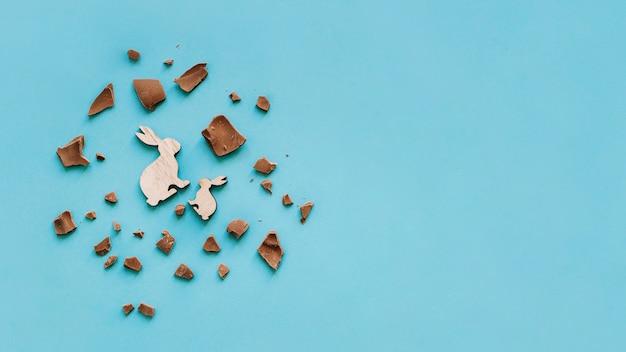 토끼 주위 초콜릿 조각