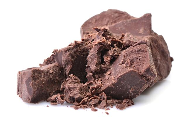 Кусочки шоколада изолированные