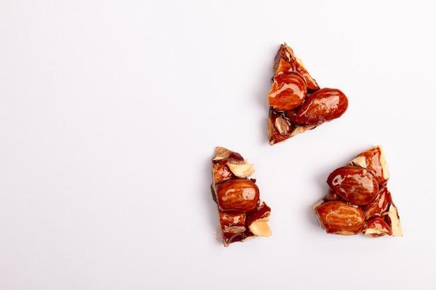 おいしいグレーズド ナッツ Premium写真