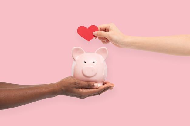 貯金箱の貯金の概念
