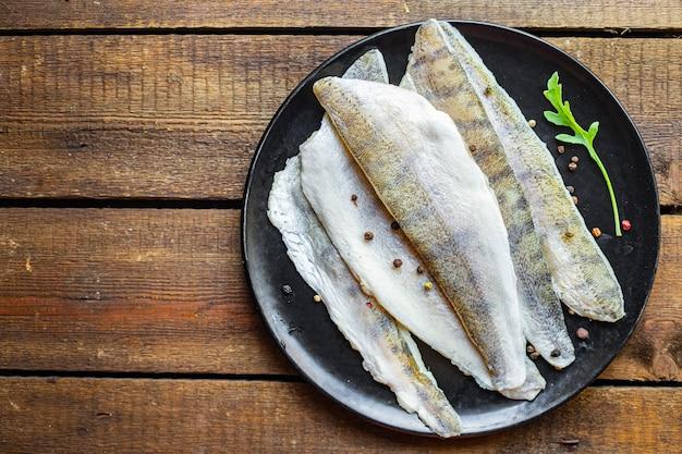 パイクパーチ魚生新鮮なシーフード食品有機製品食事スナックコピースペース食品背景