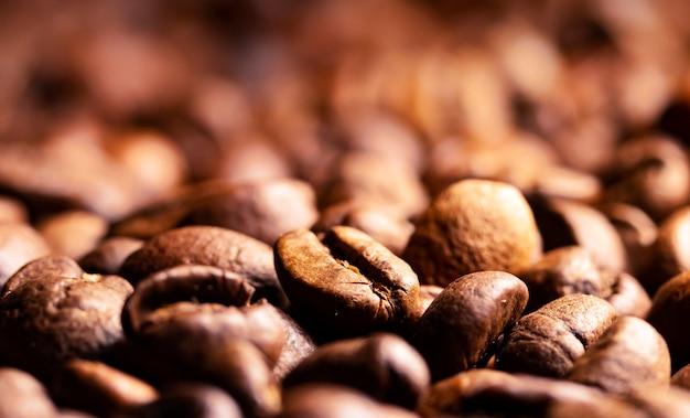 Куча кофейных зерен