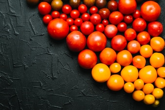 Pile of gradient assorted tomatoes