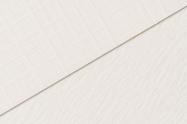 Куча белых картонных листов