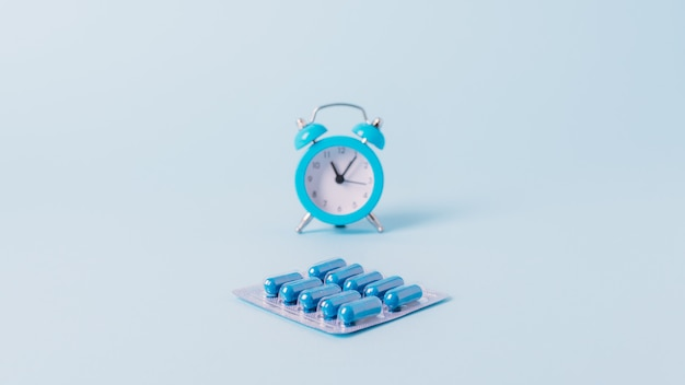 薬、薬は就寝時間、スケジュールで動作します。薬を服用する時間。