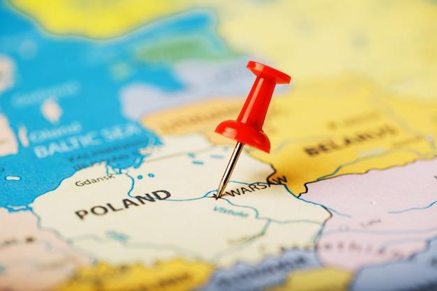 地図ポーランドの目的地の場所は、赤い画pinで示されています