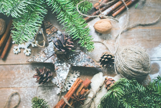 Pine cones fir tree star decorated linen cord