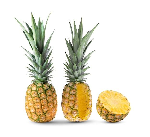白で分離されたパイナップル