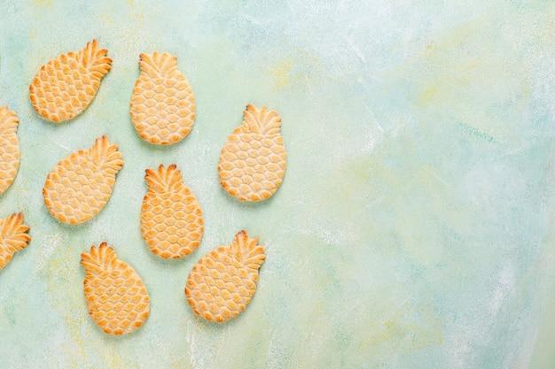 Biscotti deliziosi a forma di ananas.