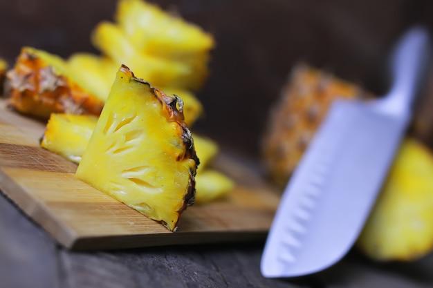 パイナップルスライスカットナイフ