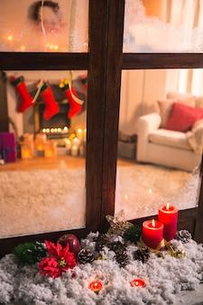 Шишки на искусственный снег и canddles