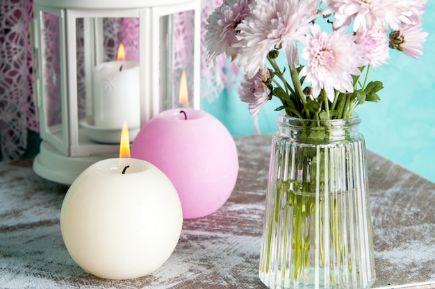 ピンクとクリームのアロマキャンドル