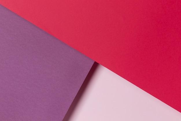 ピンクと紫の食器棚