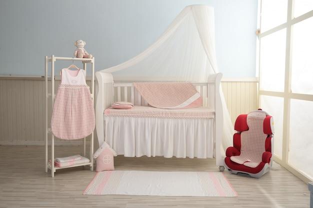 ピンクの赤ちゃんの寝室