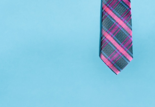 Pink and blue necktie.
