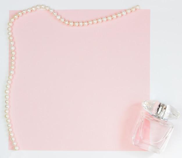 ピンクの空のカード、書き込み用シート
