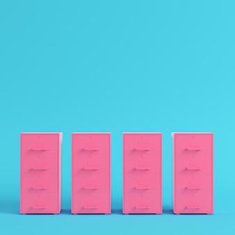 Розовые шкафы для документов на ярко-синем фоне