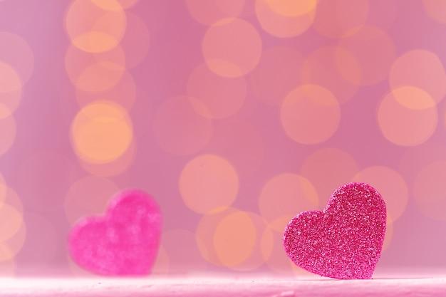 ピンクのキラキラハートデコレーションクローズアップ