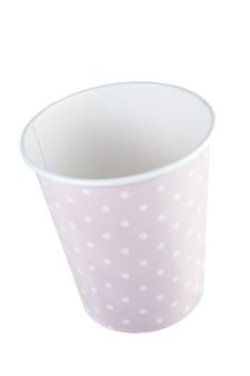 폴카 도트 패턴의 핑크 홀리데이 종이컵. + 클리핑 패스