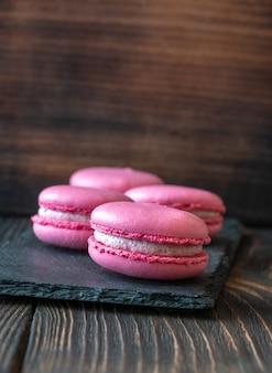 ピンクマカロン - 甘いメレンゲベースのデザート