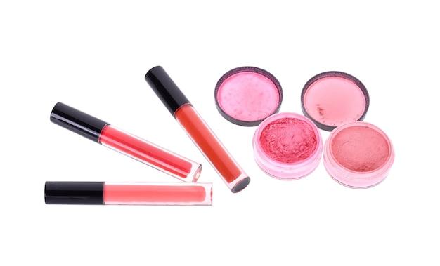 Розовый макияж, изолированные на белом фоне