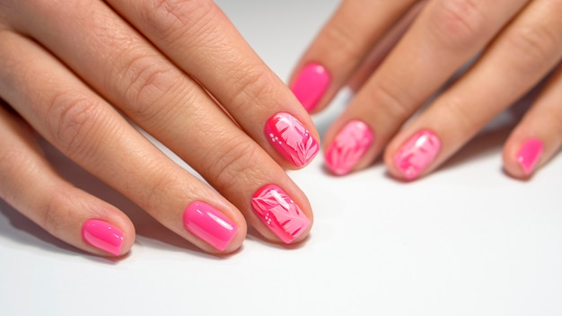 ピンクのマニキュア