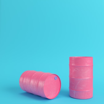 Розовая нефтяная бочка на ярко-синем фоне