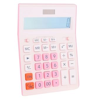Розовый пластиковый цифровой калькулятор, изолированные на белом фоне, крупным планом.
