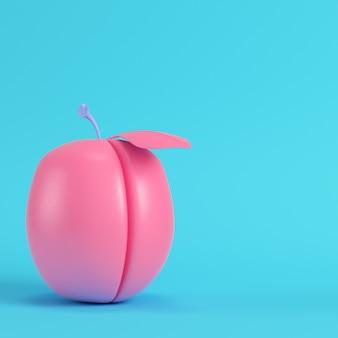 鮮やかなブルーにピンクのプラム