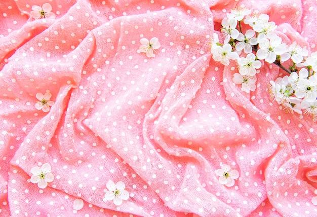봄 벚꽃 핑크 폴카 도트 테이블